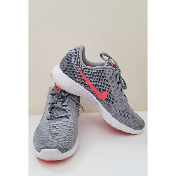 nike gray and orange shoes Shop